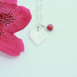 Heart Rock vedhæng i sølv med rubin vedhæng